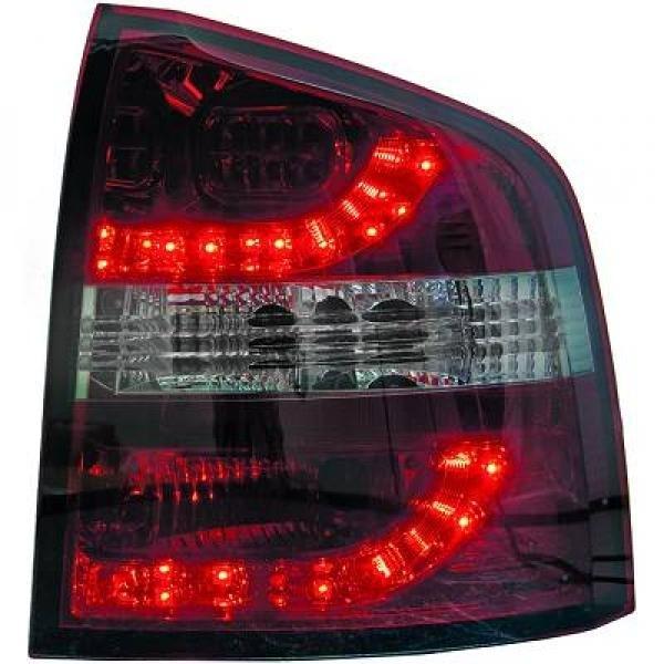 Skoda-Octavia-Kombi-04-08-–-Farolins-Cristal-Escurecidos-em-LED