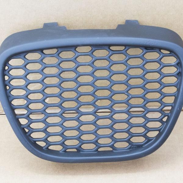Seat-Ibiza-6L-02-08-Grelha-Frontal-Favo-de-Mel-Preta-2
