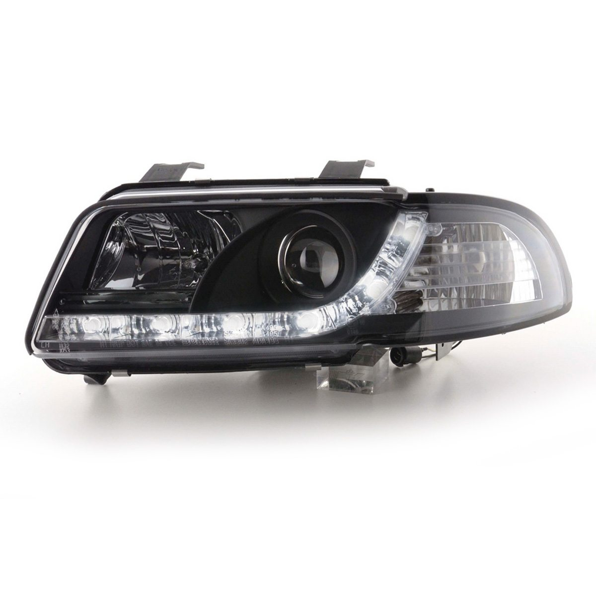 Audi-A4-B5-LimAvant-99-00-Faróis-Angel-Eyes-Dayline-Pretos-2