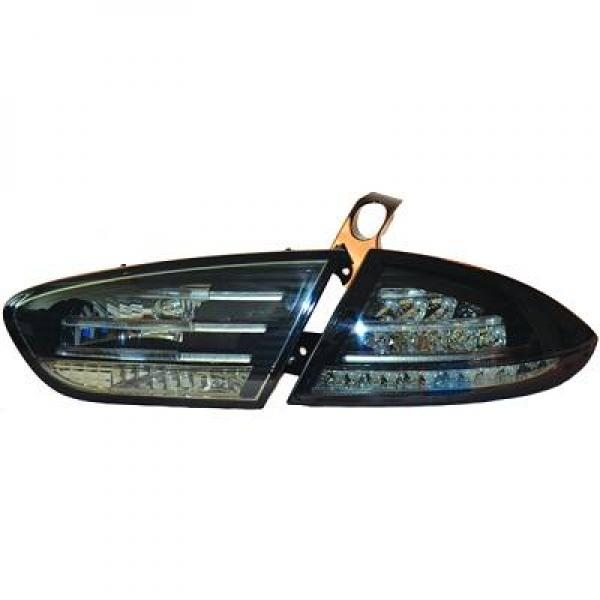 Seat-Leon-1P-09-12-–-Farolins-Cristal-Fundo-Preto-v.2-em-LED