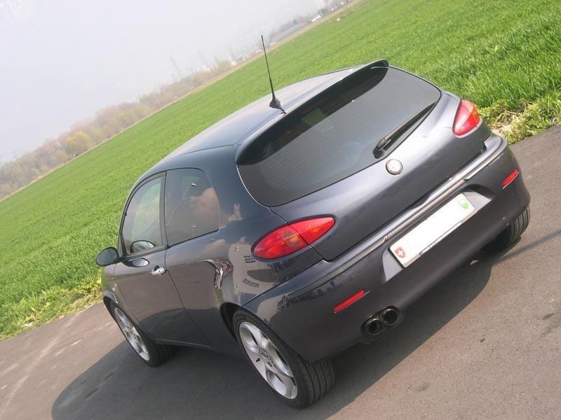 Alfa-Romeo-147-01-04-Aileron-da-Mala-Desportivo-1