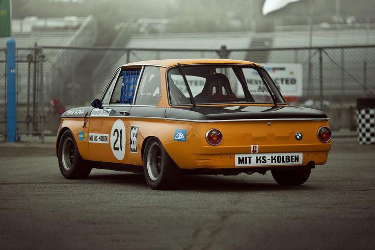 BMW-2002-66-77-Mala-Racing