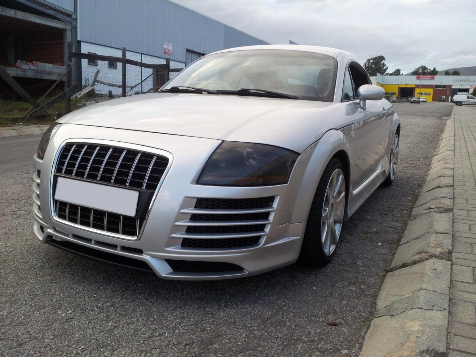 Audi-TT-8N-Coupe-98-05-Para-choques-Frente-look-R8